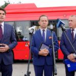 Autobusy w Stalowej Woli Konferencja prasowa prezentacja nowych autobusów komunikacji miejskiej w Stalowej Woli