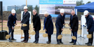 wbicie pierwszej łopaty pod budowę hali ARP w Stalowej Woli