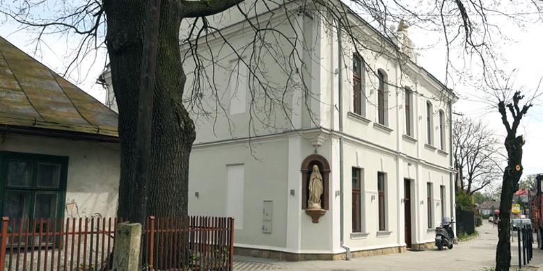 budynek, drzewo
